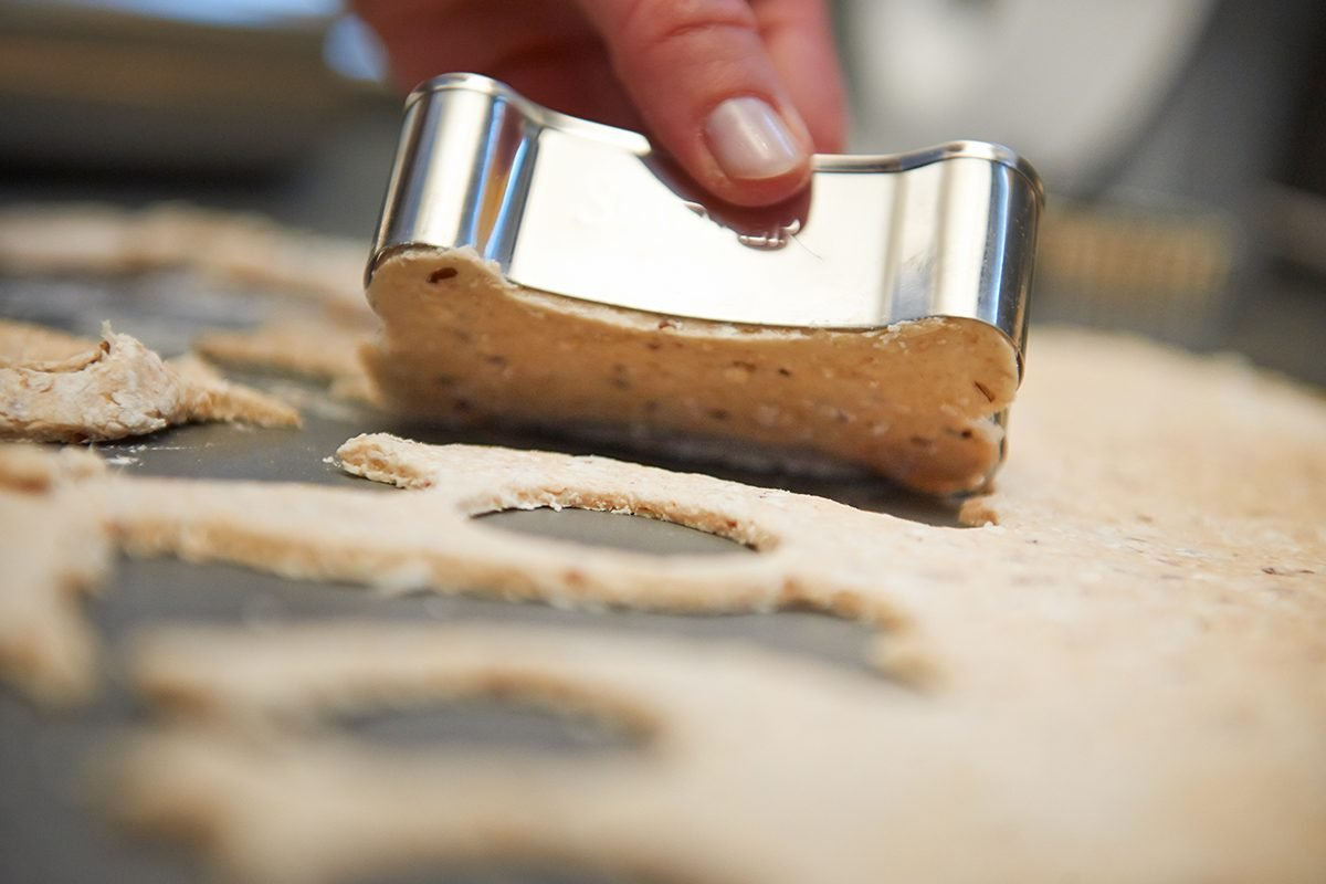 vegetarische-cookies-fuer-den-hund-Foto: Maike Helbig-Fier-Bettina-Bergwelt-www.misterspencer.de