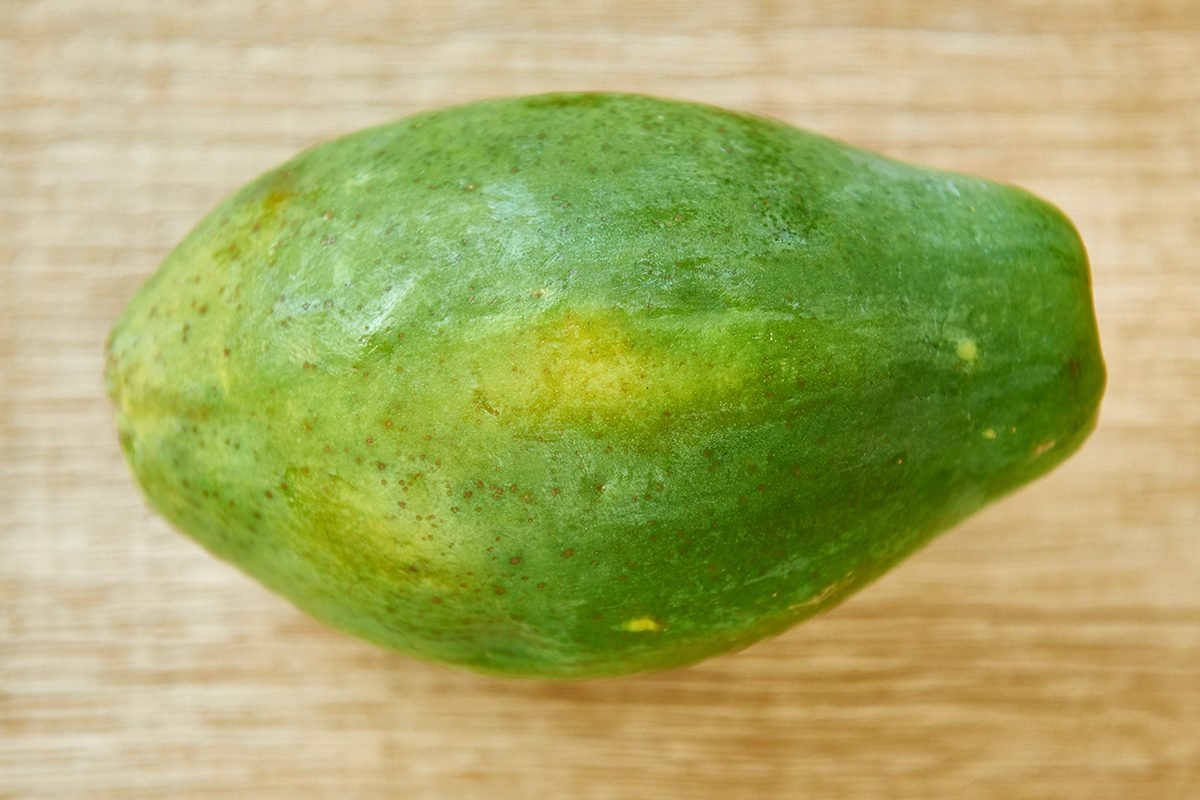 papaya-im-hundefutter-foto-maike-helbig-fuer-bettina-bergwelt-www.ciaogianna.de